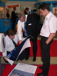 Работа плоттера Canon w6400 заинтересовала Йорка Дюбельта, руководителя департамента международных выставок компании «Мессе Дюссельдорф ГмбХ»
