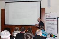 Георгий Карнаухов представляет доклад компании «Санфлекс» о выборе термопластичных эластомеров