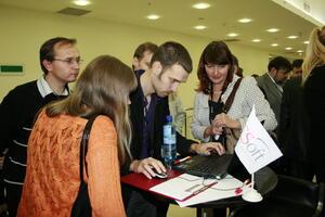 Мини-выставка партнеров. Живое общение, возможность задать вопросы и попробовать свои силы на стенде CSoft