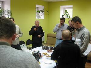 Обсуждение программы Altium Designer продолжилось и за фуршетным столом