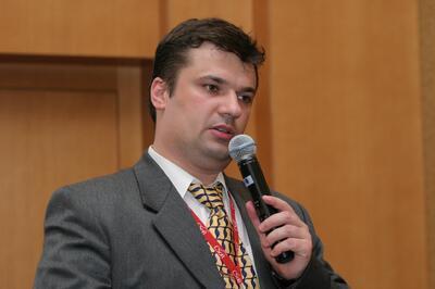 Выступает Андрей Серавкин