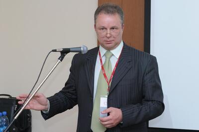 Выступает Евгений Целищев
