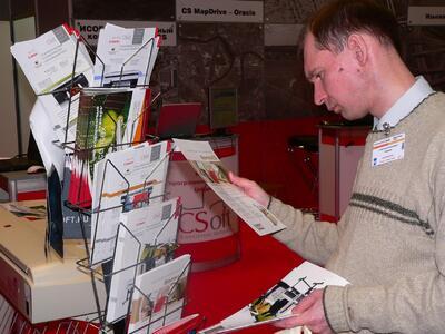 Каждый посетитель стенда имел возможность самостоятельно ознакомиться с информационными материалами компании