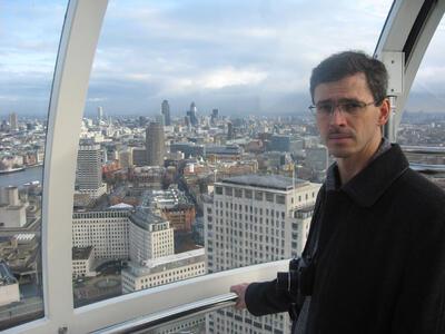 Вячеслав Сборщик в «капсуле» обзорного колеса «London Eye»